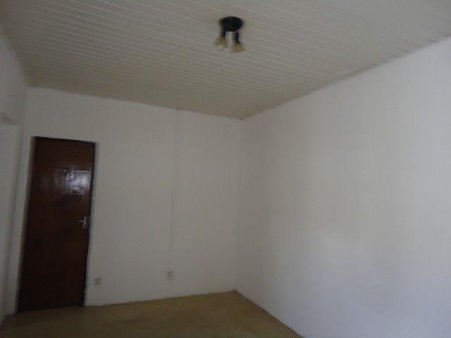 Apartamento com 02 quartos, nascente, sala, cozinha, wc social, em condomínio fechado, amb - Foto 2