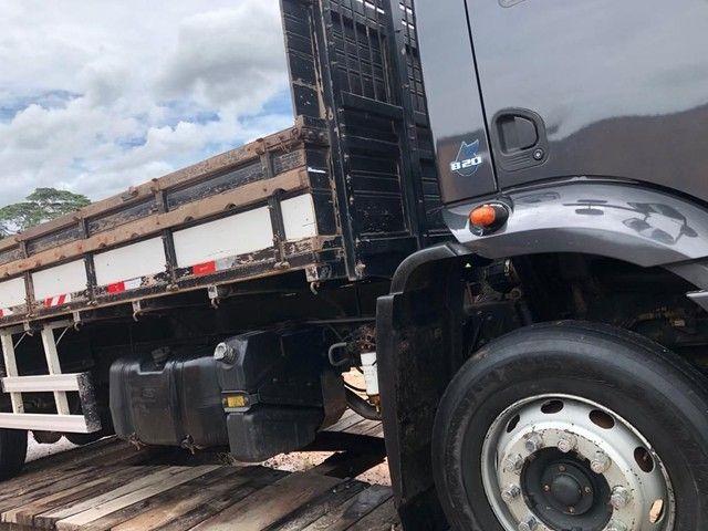 Vende-se caminhão de carga ano 2014 - Foto 2