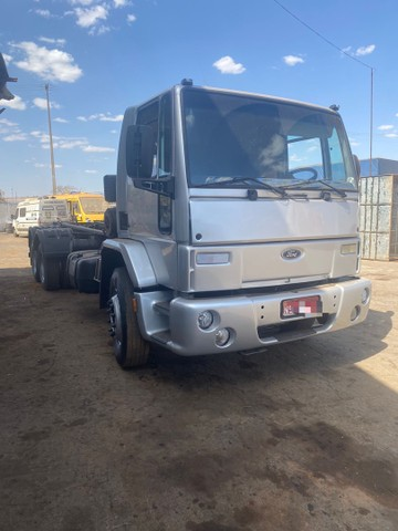Ford Cargo 2428 6x2 Roll on - Foto 3