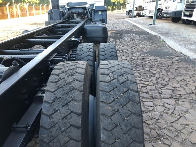 VW 24.280 Constellation 6X2 2015/2015 - Chassi - Foto 14
