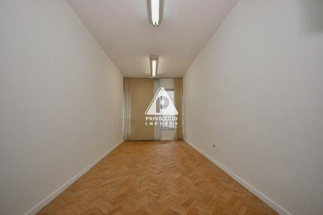 Sala com 40,00 m² em Copacabana disponível para para aluguel