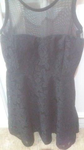 Lotinho de vestidos e saias 250,00novas - Foto 2