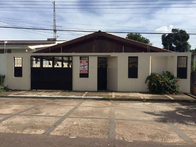 Aluga-se Casa em Santa Rita, 02 quartos