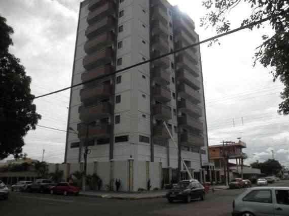 Aluga -se Apartamento residencial com 3 SUÍTES no centro de Macapá