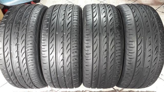 4 pneus Pirelli P-zero Nero, 235/45/18