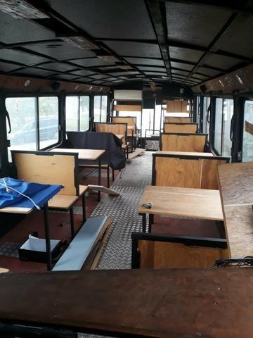Vendo ou troco Ônibus Food Truk - Foto 16