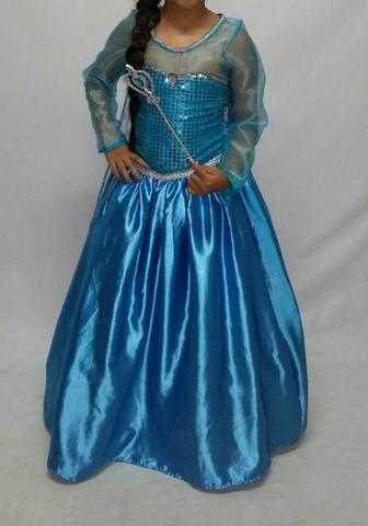 Vestido luxuoso da Princesa Elsa