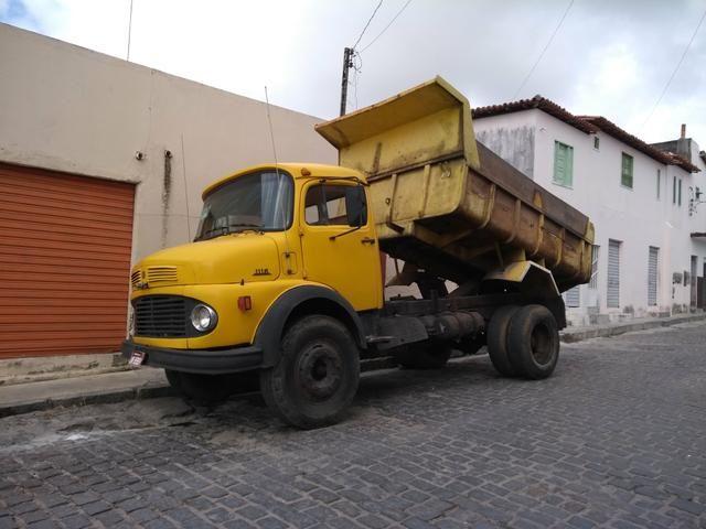 Caminhao basculante MB 1113 'Caçamba'
