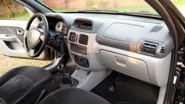 """""""Oferta"""" Clio Sedan Privilege 1.6 Hi-Flex 2006 - Foto 5"""