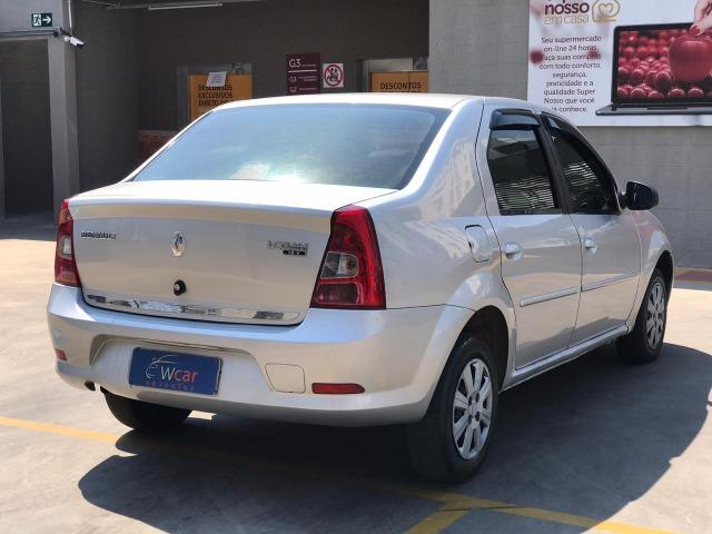 Renault Logan 1.6 Expression 2011 - Foto 6