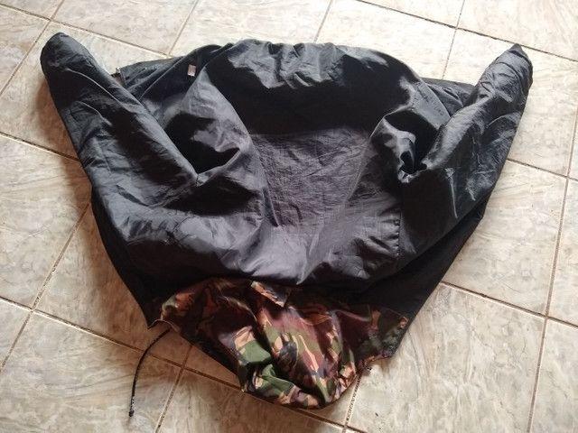 Jaqueta camuflada com preto. - Foto 2