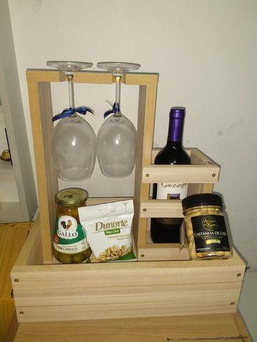 Box Mini Adega com porta rolha, porta rolhas, box com suporte para taça de vinho em MDF - Foto 6