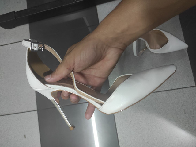 Vendo scarpin marca Gabriela semi novo