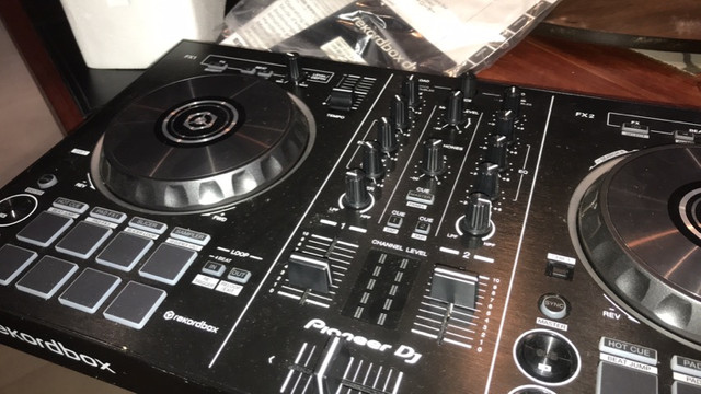 Mesa DJ Pioneer Rekordbox nunca usado - Foto 3