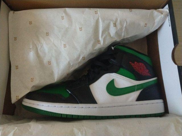Tênis Nike Air Jordan 1 mid Green Toe - Foto 3