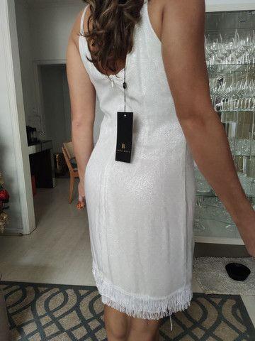 Vestido branco com franjas - Foto 4