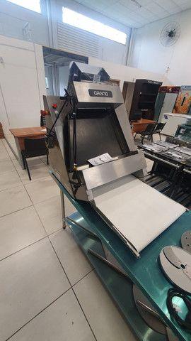 Modeladora de pizza - JM EQUIPAMENTOS BLUMENAU