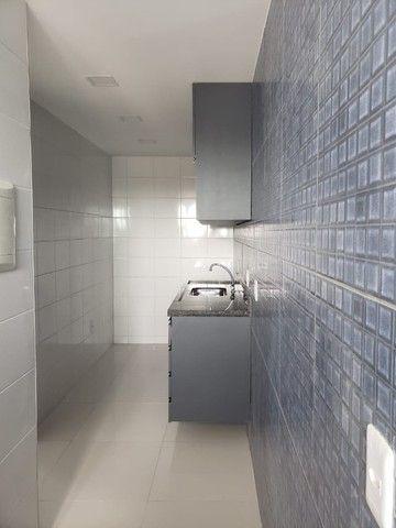Apart  com 55m² com 2 quartos (1 suíte) em Imbiribeira - com armários - Foto 11