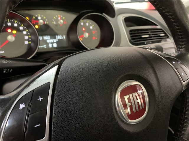 Fiat Punto 2015 1.4 attractive 8v flex 4p manual - Foto 13