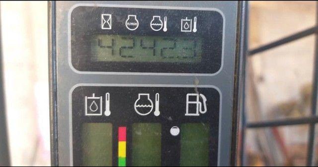 Mini pá carregadeira case SR150 - Foto 5