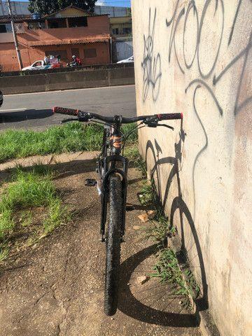 Bike aro 29 perfeito estado  - Foto 3