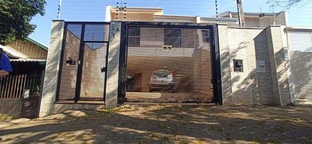 Venda   Sobrado com 264.77 m², 3 dormitório(s), 4 vaga(s). Zona 07, Maringá