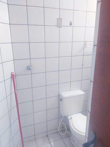 Apartamento para aluguel possui 100 metros quadrados com 3 quartos em Icaraí - Caucaia - C - Foto 7