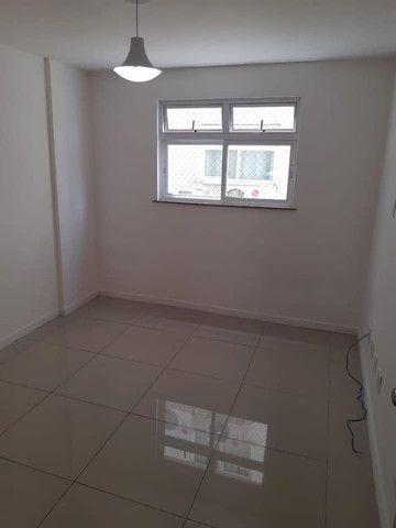 A RC+Imóveis aluga excelente apartamento na Av. Beira rio-Três Rios-RJ - Foto 3