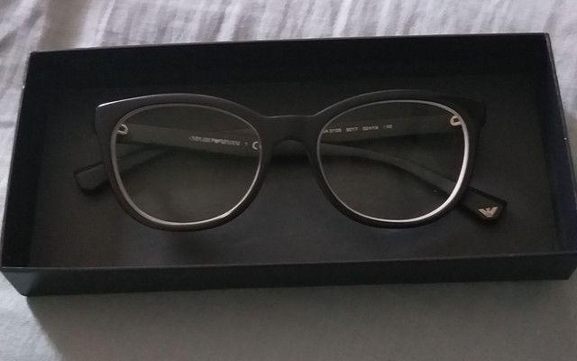 Vendo armação de óculos em excelente estado de conservação!!! - Foto 4