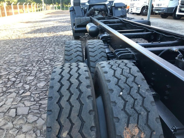 VW 24.280 Constellation 6X2 2015/2015 - Chassi - Foto 13