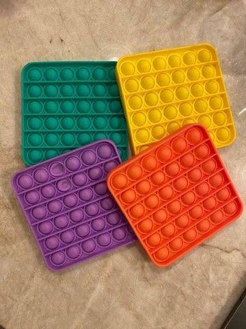 Brinquedo anti stress tik tok bolha sensorial (fidget toys) - Foto 3