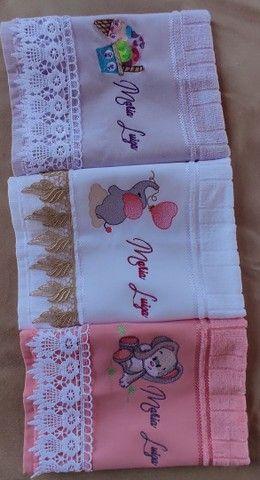 Kit toalha personalizada bordada - Foto 3