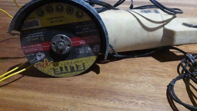 "Esmerilhadeira angular DeWalt 7"" - Foto 2"