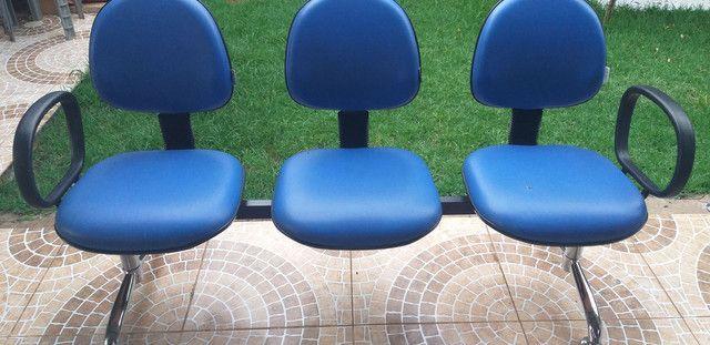 Cadeiras Longarinas. - Foto 2