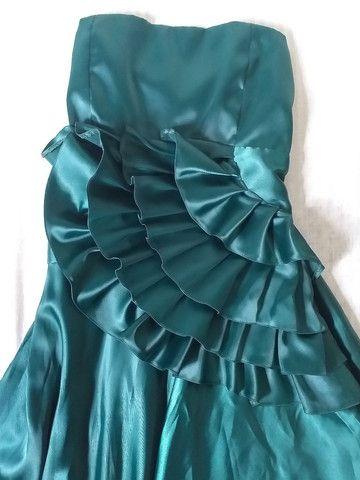 Vestido de festa longo verde cetim no godê - Foto 3