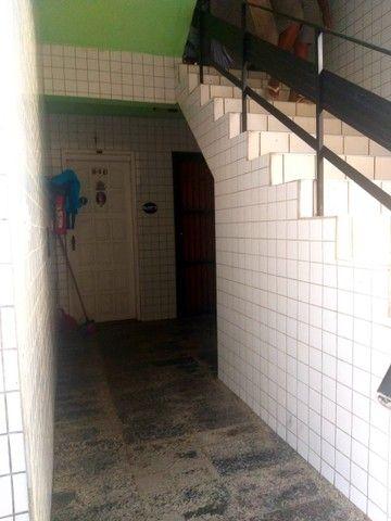 Apartamento para aluguel possui 100 metros quadrados com 3 quartos em Icaraí - Caucaia - C - Foto 4