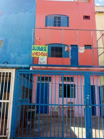 Alugo apartamento/kitnet EQNM 21/23
