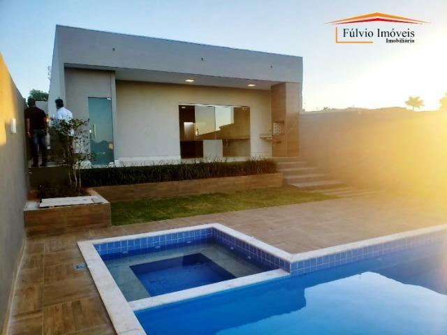Maravilhosa casa aos pés do Park Way, 3 quartos, churrasqueira e piscina! - Foto 2