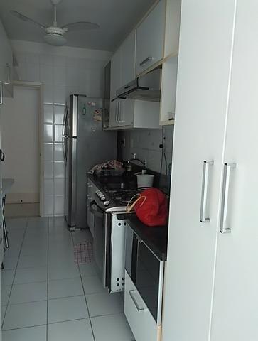 Vendo apartamento com três quartos com dependência no Stiep - Foto 12