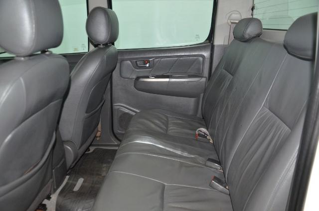 Toyota Hilux Cab. Dupla SRV 4X4 Diesel Automatica.2014.(Negociamos) Temos Strada, S10, - Foto 6