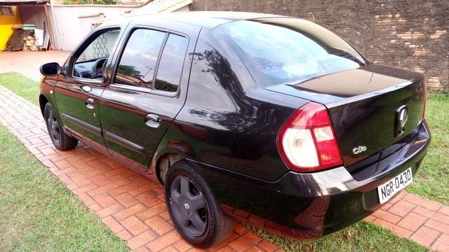 """""""Oferta"""" Clio Sedan Privilege 1.6 Hi-Flex 2006 - Foto 2"""