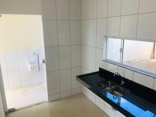 Linda casa com 2 suítes em Santa Mônica - Foto 4