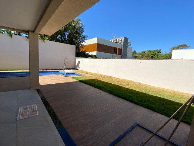 Lindo sobrado de 4 suítes no condomínio Alphaville Goiás - Foto 2