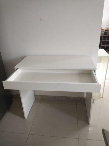 Mesa com gavetas/multiuso / escritório/ escrivaninha Nova MDF