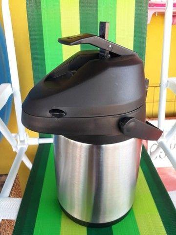 Garrafa Térmica Aço Inox 2,5 Litros com alavanca de pressão