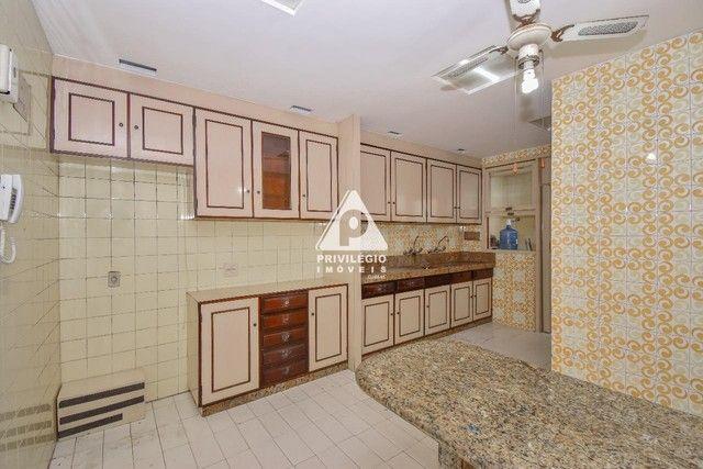 PRIVILÉGIO IMÓVEIS vende : Excelente apartamento na quadra da praia de Copacabana - Foto 18