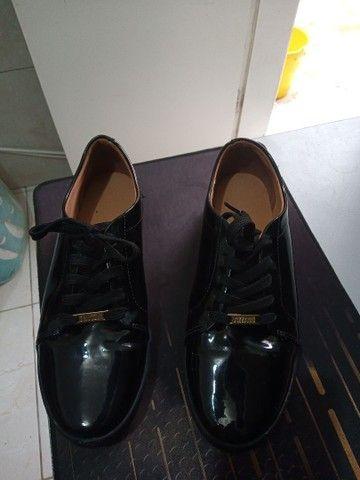 Sapato feminino fechado vizzano, preto brilhoso, 39 - Foto 2