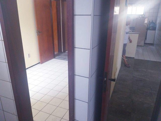 Apartamento para aluguel possui 100 metros quadrados com 3 quartos em Icaraí - Caucaia - C - Foto 8