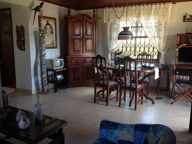 Casa ampla e independente, área de lazer privativa, 50 m da Rodovia e próxima a Praia - Foto 4