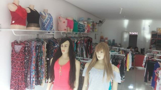 Vende-se Equipamentos e Mercadorias de Loja Feminina